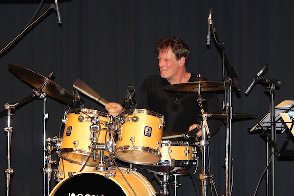 Rotary Rock-Pop-Blues-Masters: Der Drummer Gary Husband beim Abschlusskonzert des Workshops im Jahr 2014. Foto: ©Rotary Rock-Pop-Blues-Masters
